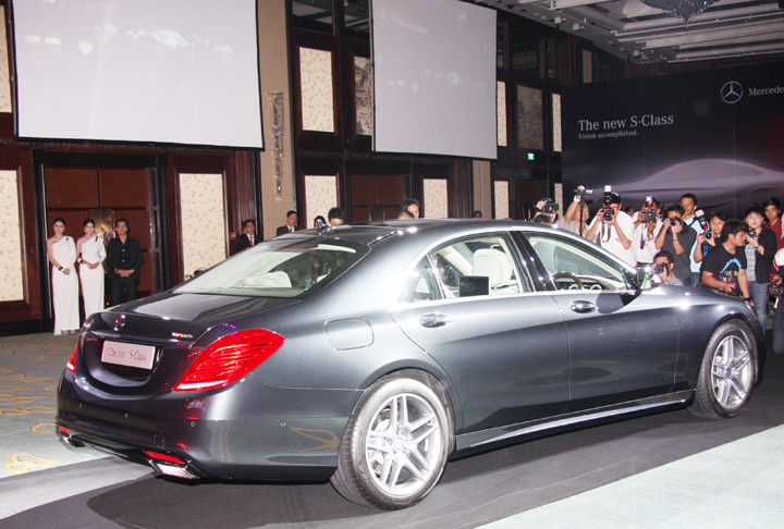 The new mercedes benz s class vision accomplished for Mercedes benz thailand