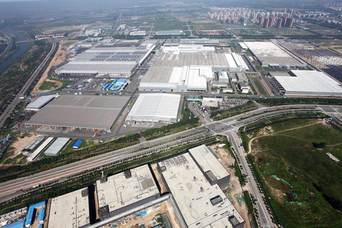 Mercedes Benz Engine Plant At Beijing Benz Celebrates