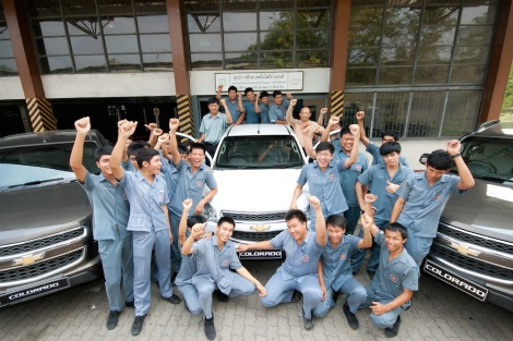 Chevrolet's ASEP program works closely with vocational schools across Thailand, providing formal classroom training on model engines and hands-on work experience using professional diagnostic tools and real cars at dealership service centres