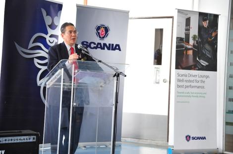 The Director General of Jabatan Keselamatan Jalanraya (JKJR) giving his speech