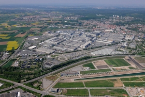 More than 22,000 people work at the Mercedes-Benz plant in Sindelfingen, Germany. It is the biggest production facility of Daimler AG worldwide.