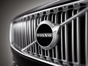 2015_Volvo-XC90_001