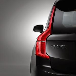 2015_Volvo-XC90_004
