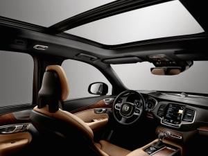 2015_Volvo-XC90_15