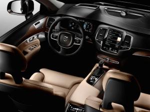 2015_Volvo-XC90_16