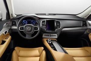 2015_Volvo-XC90_18