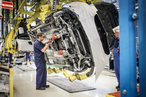Assembly of the S-Class Coupé in the Mercedes-Benz Sindelfingen plant.