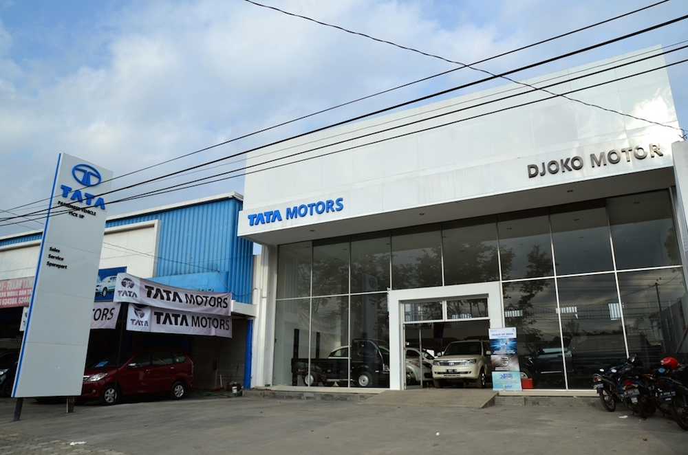 Purwokerto Indonesia  City pictures : PURWOKERTO, Indonesia, 8 September 2014 –— PT Tata Motors ...