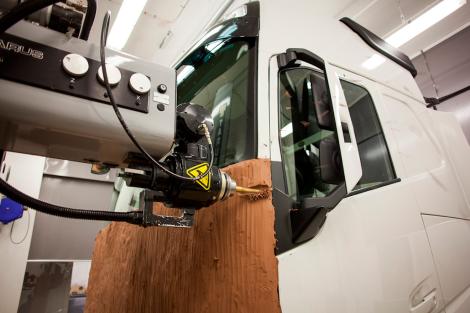 Team Volvo Trucks menggunakan mesin pembangkit yang canggih