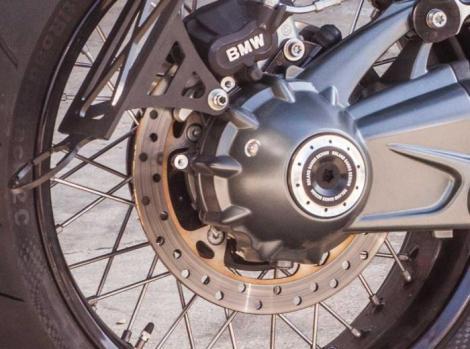 Radial Rear Axle Plug