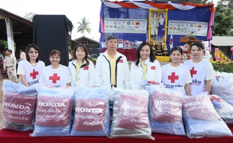 HKKT-RedCross-3_3856_Low