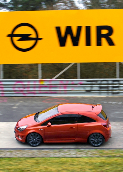 Leading Corsa: The Nürburgring Edition Opel Corsa OPC, launched in 2011, impressed with an optimised 1.6-litre engine with 155 kW/210 hp.