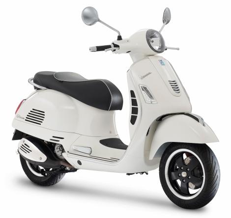Vespa GTS Super bianco_Resize