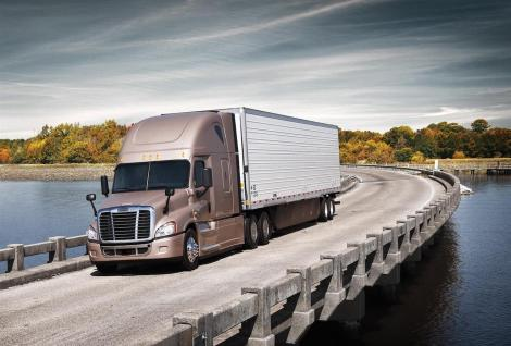The Freightliner Cascadia Evolution is one of the current best sellers of Daimler Trucks North America. The vehicle contributed greatly to the significant increase in sales of Daimler Trucks in the US and Canada in 2014.