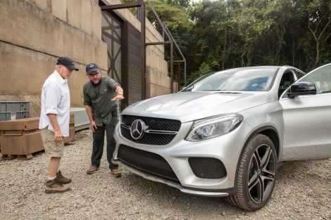 Producer Frank Marshall (left) and director Colin Trevorrow (right) preparing for filming the all-new Mercedes-Benz GLE Coupé on the set of Jurassic World.