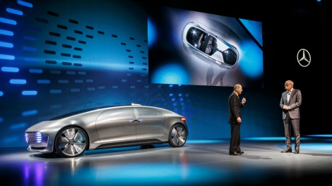 Dr. Dieter Zetsche, Chairman of Daimler AG and Head of Mercedes-Benz Cars together with Gary Shapiro, President and CEO of the Consumer Electronics Association, at the world premiere of the Mercedes-Benz F 015 Luxury in Motion in Las Vegas.