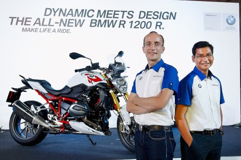BMW Motorrad Thailand executives led by Markus Glaeser, Head of BMW Motorrad Thailand (left) and Krisda Utamote, Director of Corporate Communications