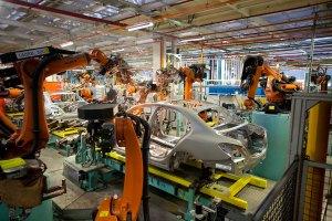 Mercedes-Benz East London plant, South Africa: Body shop C-Class.